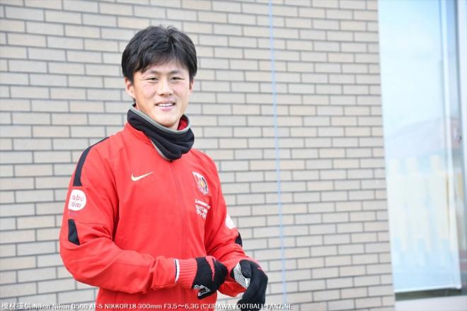 新シーズンに向けて爽やかな笑顔を見せる李忠成選手。