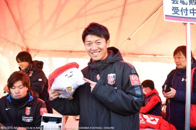 武藤雄樹選手はファンサービス。お寿司さんと記念撮影。