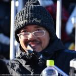 DJの岩沢さんになりきる興梠慎三選手。